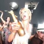 PEOPLE : PARIS HILTON S'ÉCLATE À ST-TROPEZ !