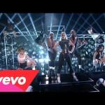 Iggy Azalea - Fancy/Beg For It (Medley) (2014 American Music Awards) ft. Charli XCX